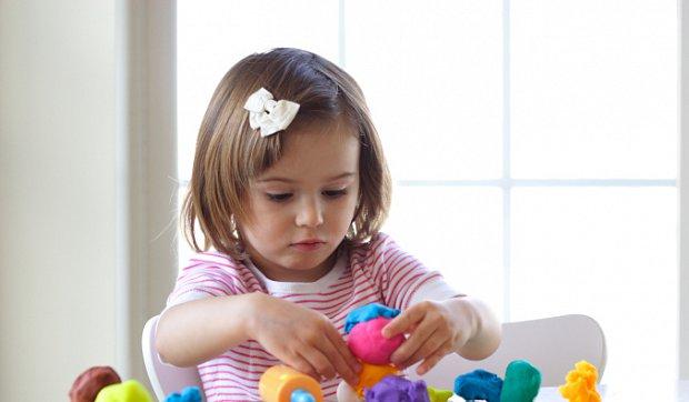 Як навчити дитину гратися самостійно?