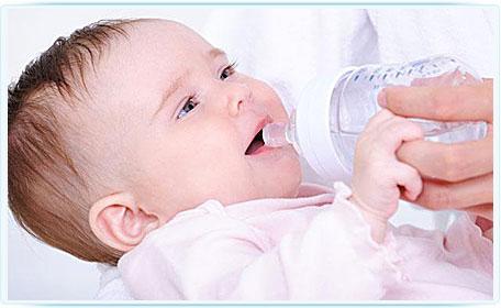 Cкільки води має пити дитина