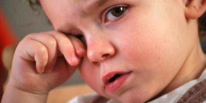 Чи нормально, що у дитини темні кола під очима?