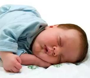 Що робити при запорі у новонародженого