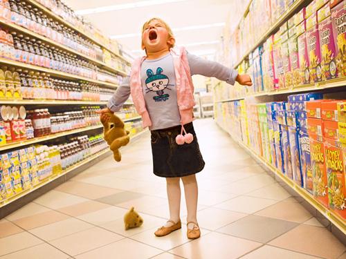 Дитина не слухається, б'ється, у неї істерика: як заволодіти увагою