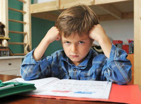 Дитина не хоче робити уроки - причини
