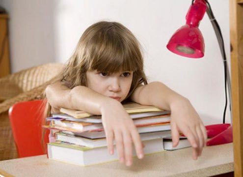 Що робити, якщо дитина не хоче робити уроки?