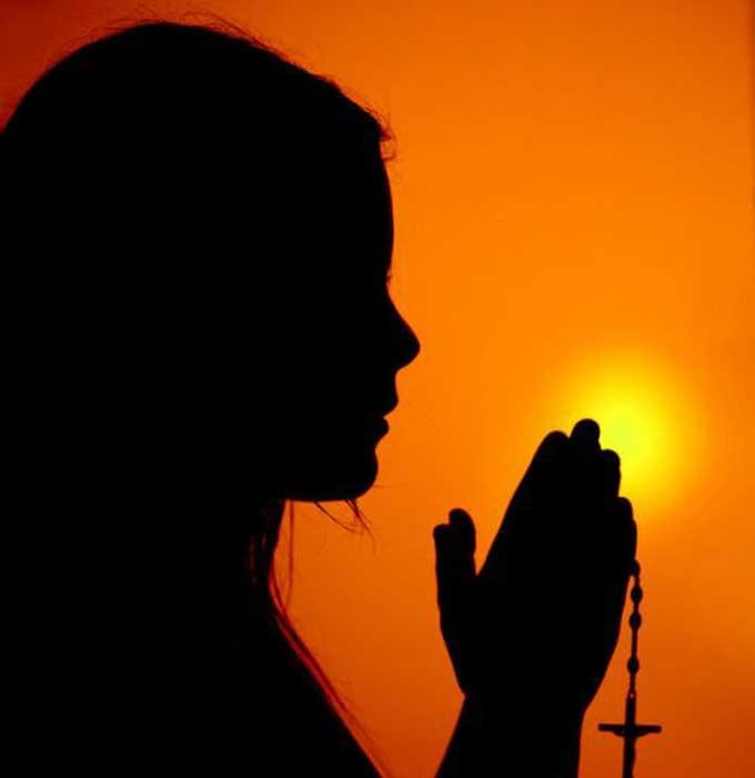 Чим відрізняється заговір від молитви?