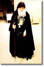З 1987 року преп.Гавриїл служить в Самтавро