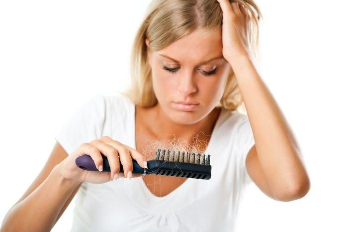 Волосся випадає після пологів